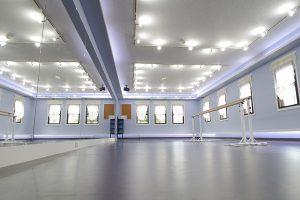 自由が丘 セレナヴィータ レンタルスタジオ 【 自由が丘 レンタルスタジオ バレエ 】 先生のご案内がありました